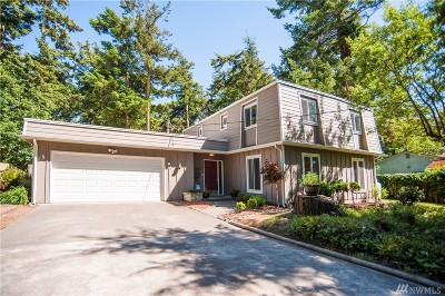 Oak Harbor Single Family Home For Sale: 1932 Island View Rd