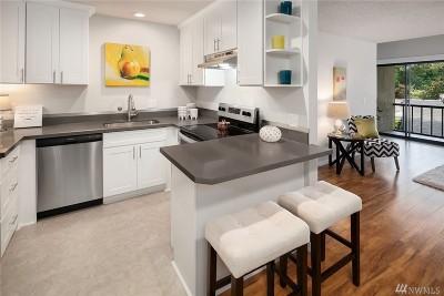 Condo/Townhouse For Sale: 6674 138th Ave NE #248