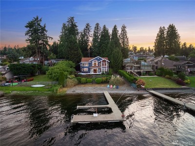 Bellevue Single Family Home For Sale: 2824 W Lake Sammamish Pkwy