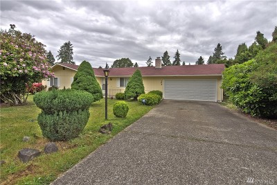 Pierce County Single Family Home For Sale: 103 Candlewyck Dr W