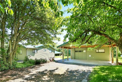 Lummi Island Single Family Home For Sale: 3883 Centerview
