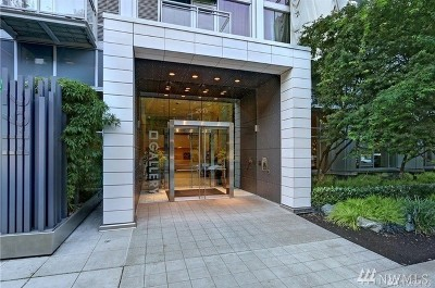 Seattle Condo/Townhouse For Sale: 2911 2nd Ave #708