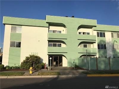 Renton Condo/Townhouse For Sale: 1100 Harrington Ave NE #207
