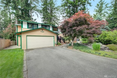 Sammamish Single Family Home For Sale: 723 216th Ave NE
