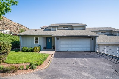 Chelan County Single Family Home For Sale: 2348 Jeffrey Ct