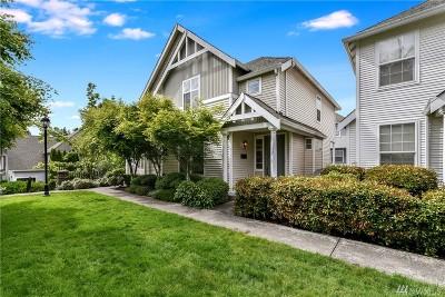 Sammamish Condo/Townhouse For Sale: 352 227th Lane NE #142