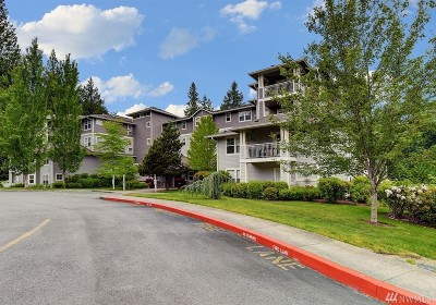 Issaquah Condo/Townhouse For Sale: 4535 Providence Point Place SE #101