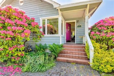 Everett Single Family Home For Sale: 201 Alverson Blvd