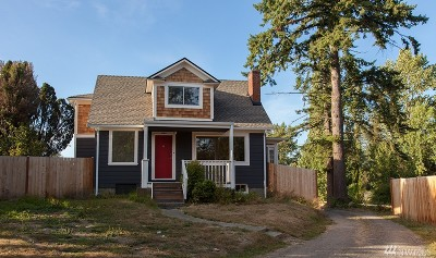 Bellingham Single Family Home For Sale: 404 Baker St