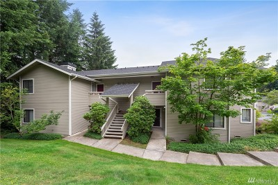 Redmond Condo/Townhouse For Sale: 9009 Avondale Rd NE #N128