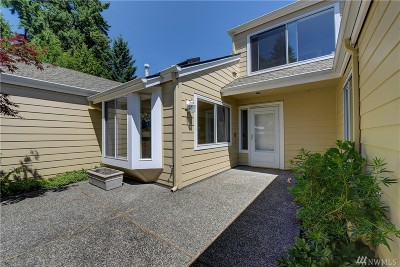 Issaquah Condo/Townhouse For Sale: 3645 224th Place SE