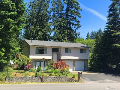 Camano Island Single Family Home For Sale: 740 Vista Dr