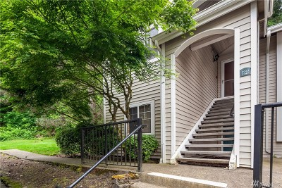 Renton Condo/Townhouse For Sale: 2300 Jefferson Ave NE #J243