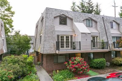 Edmonds Condo/Townhouse For Sale: 8601 244th St SW #1C