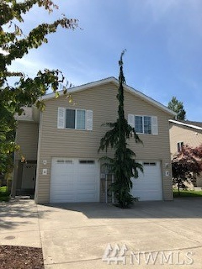 Skagit County Condo/Townhouse For Sale: 1242 Curtis St #A