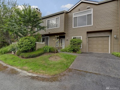 Issaquah Condo/Townhouse For Sale: 3664 225th Place SE