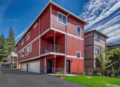 Everett Condo/Townhouse For Sale: 7109 Rainier Dr #G