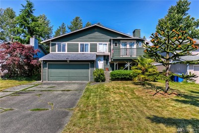 Single Family Home For Sale: 2401 67th Ave NE