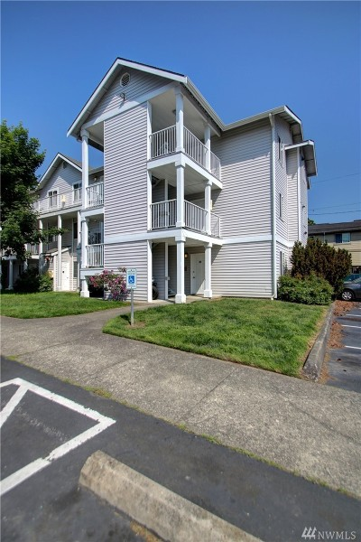 Bellingham Condo/Townhouse Pending Inspection: 2711 W Maplewood #208