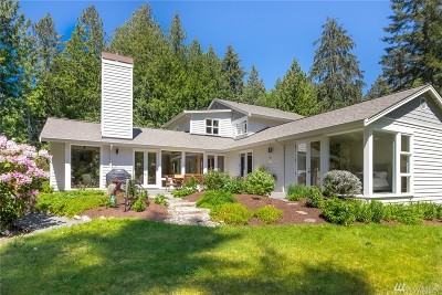 Bainbridge Island Single Family Home For Sale: 8326 NE Sumanee Place