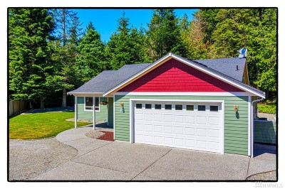 La Conner Single Family Home For Sale: 376 Clallam