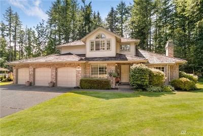 Maple Valley Single Family Home Contingent: 25335 237th Place SE