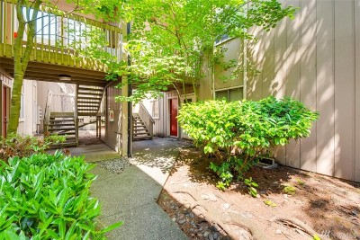 Lynnwood Condo/Townhouse For Sale: 4807 180th St SW #E103