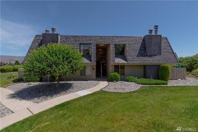 Chelan County Condo/Townhouse Contingent: 1535 Castlerock Ave #21