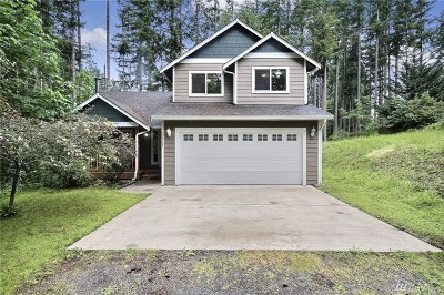Yelm Single Family Home Pending: 22711 Laceywood Ct SE
