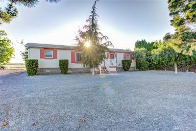 Moses Lake Single Family Home For Sale: 3286 NE Firouzi Dr