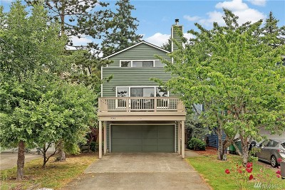 Seattle Single Family Home For Sale: 9748 45th Ave NE