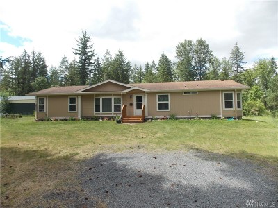 Yelm Single Family Home Pending: 16905 Cougar Village Lane SE