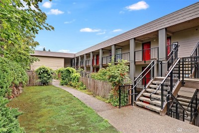 Bothell Condo/Townhouse For Sale: 9523 NE 180th St #A303