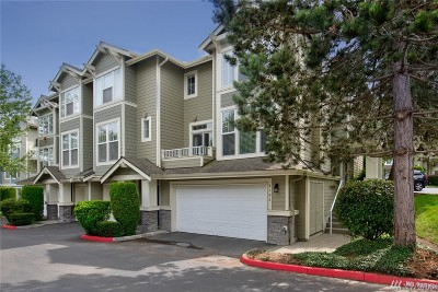 Issaquah Condo/Townhouse For Sale: 2192 Newport Wy NW #19-4