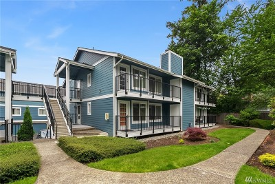 Bellevue Condo/Townhouse For Sale: 12526 SE 32nd St #29