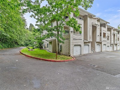Renton Condo/Townhouse For Sale: 801 Rainier Ave N #G234
