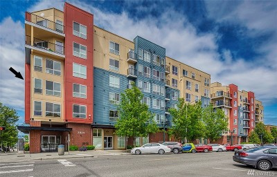 Everett Condo/Townhouse For Sale: 2824 Grand Ave #A204