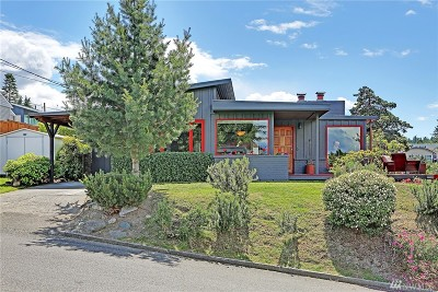 Edmonds Single Family Home For Sale: 510 Homeland Dr