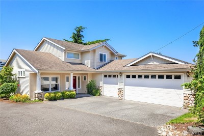 Edmonds Single Family Home For Sale: 621 6th Ave N