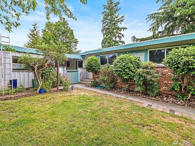 SeaTac Single Family Home For Sale: 3206 S 148th St