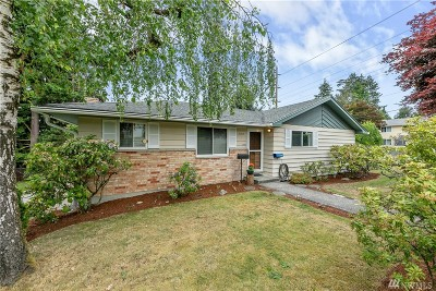 Shoreline Single Family Home Contingent: 16415 4th Ave NE