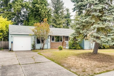 Shoreline Single Family Home For Sale: 112 NW 159th St