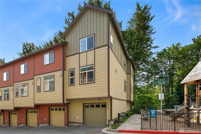 Issaquah Condo/Townhouse For Sale: 2209 NW Moraine Place