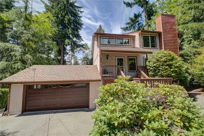 Sammamish Single Family Home For Sale: 1221 211th Ave NE