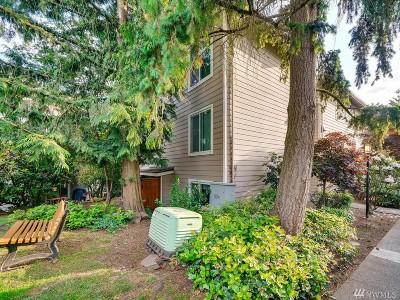 Shoreline Condo/Townhouse For Sale: 19857 25th Ave NE #304