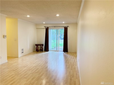 Bellevue Condo/Townhouse For Sale