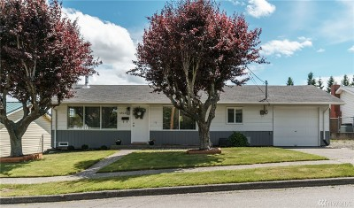 Anacortes Single Family Home Pending Inspection: 1803 24th St