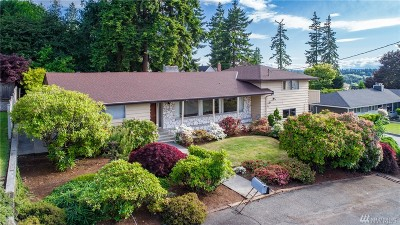 Edmonds Single Family Home For Sale: 926 Spruce St