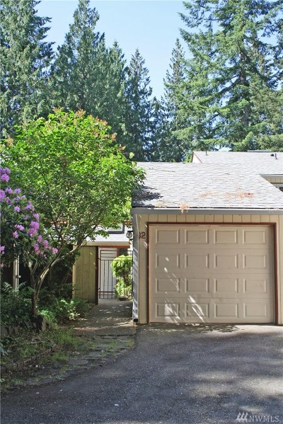 Tumwater Condo/Townhouse Pending Inspection: 1500 Lake Park Dr SW #32