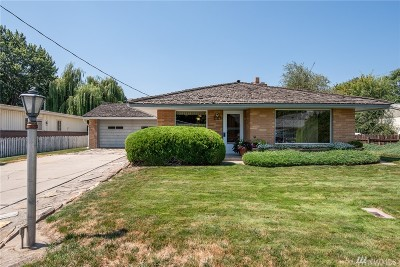 Chelan County Single Family Home For Sale: 1716 Stella Ave